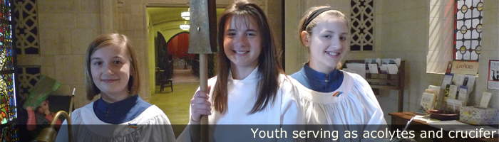 youth-acolytes-crucifer-0764_700x200